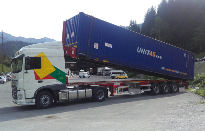 Bulk-Container-Nothegger-Transport-Logistik